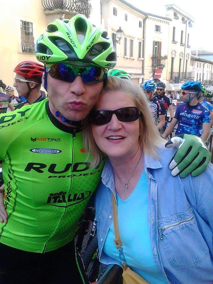 Luca insieme alla mamma Anna