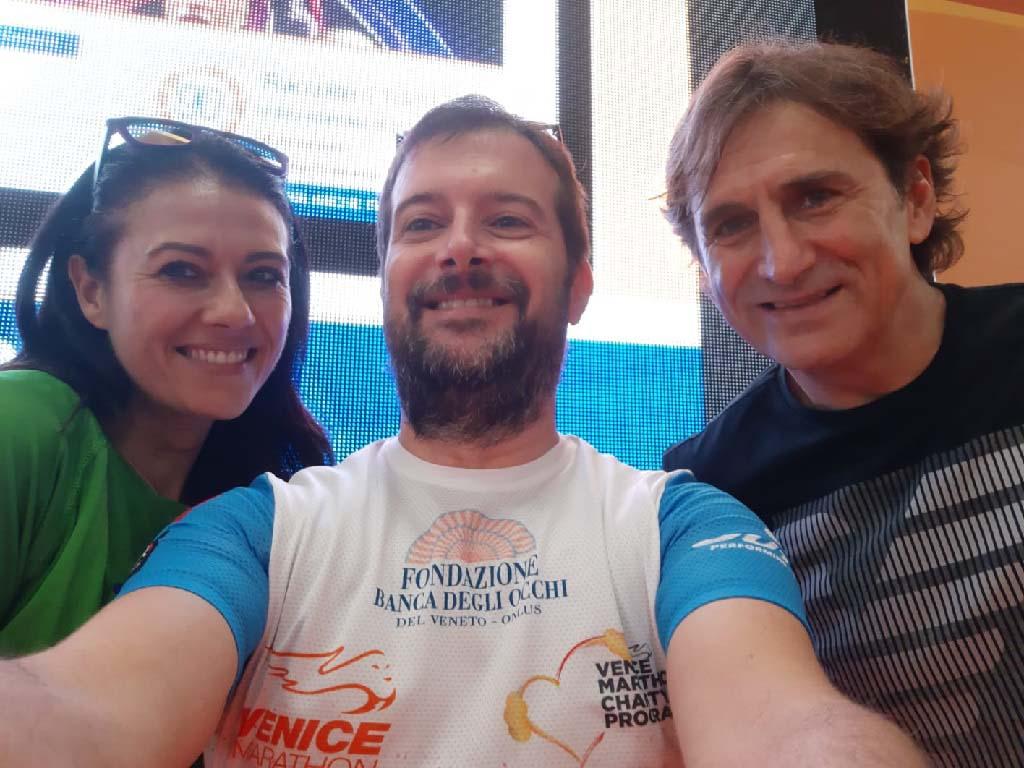 Giusy Versace ed Alex Zanardi insieme a Gaetano, runner solidale di Fondazione Banca degli Occhi